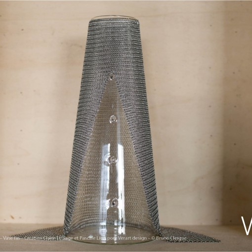 Verre Vs Cote de maille – Vase fin – Création Claire Le Sage et Pascale Lion pour Verart design – © Bruno Clergue