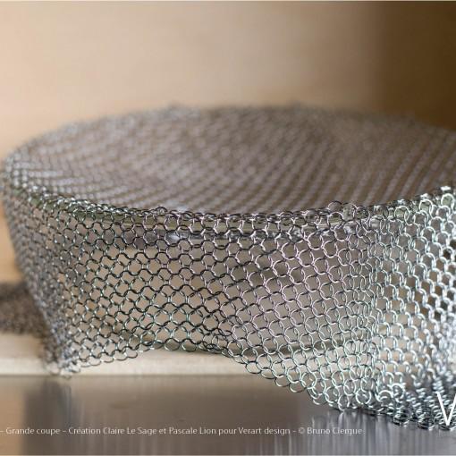 Verre Vs Cote de maille – Grande coupe – Création Claire Le Sage et Pascale Lion pour Verart design – © Bruno Clergue